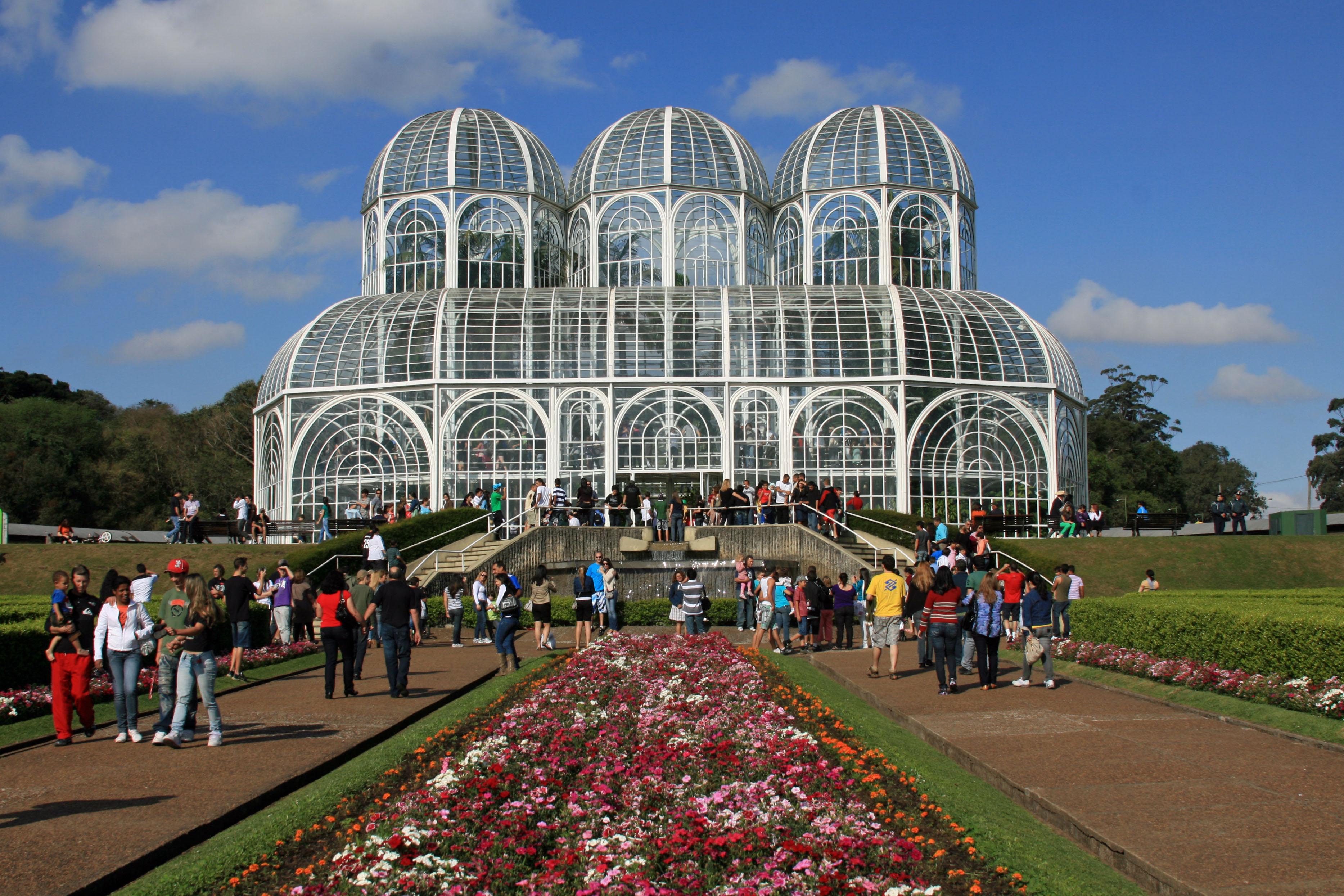 <center>Visita a Curitiba: como explorar a capital ecológica COM EFICIÊNCIA… </center>