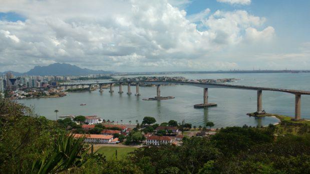 <center>Visita a Vitoria (ES), Vila Velha e Guarapari: combo de 5 dias.</center>